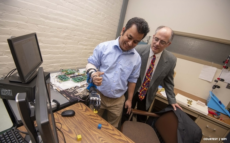 Organizations Partner to Develop Wireless Sensors for Prostheses